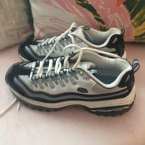 Sketchers tennis shoes - size 6